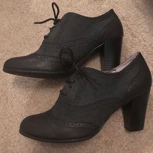 Black Vintage Style Heels